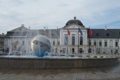 pałac prezydencki w bratysławie w słowacji