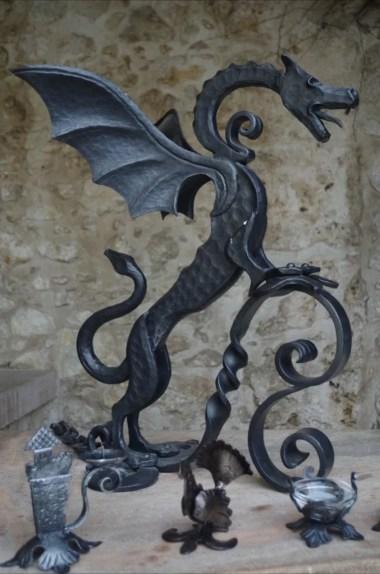 smok na zamku bled w alpach julijskich w słowenii