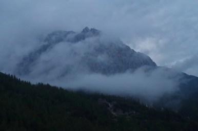 widok na alpy julijskie z przełęczy vrsic w słowenii
