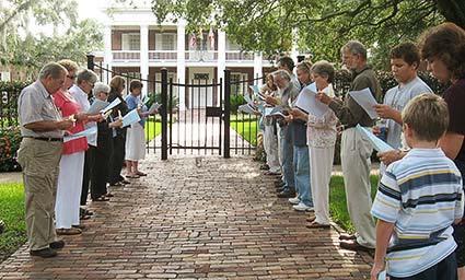 pct-july-1-vigil-at-gov-mansion1