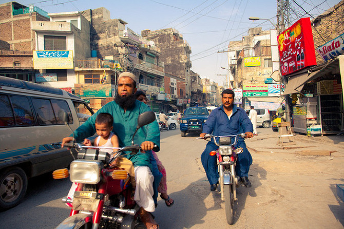 feature Pakistan Street Scenes  James Longley  instituteartistcom