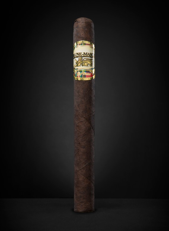 Churchill_Maduro_edited