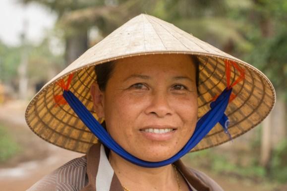 DUONG THI DUOC, éleveuse de bovins près de Dong Hoi - http://paysansdavenir.com/portrait-dagricultrice-duong-thi-duoc-eleveuse-de-bovins/