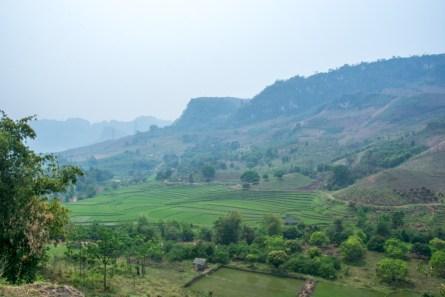 Vallée du nord du Vietnam où l'on pratique l'agriculture de conservation - http://paysansdavenir.com/lagriculture-de-conservation-au-secours-de-lagriculture-du-nord-du-vietnam/