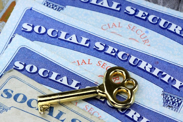 How to Maximize Your Social Security and IRAs