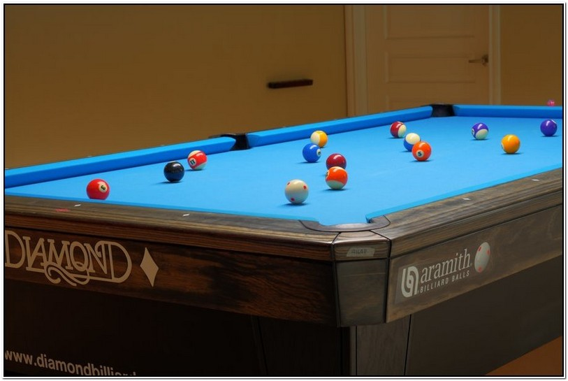 9 Foot Diamond Pool Table For Sale