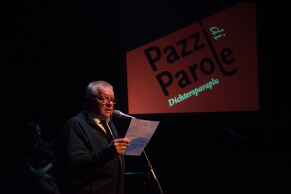Schepen van Cultuur Mark Feyaerts heet het talrijke publiek welkom en leidt de Pazzi in.