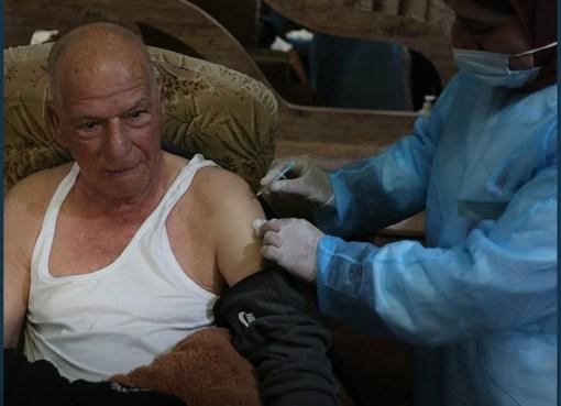 تطعيم كبار السن لكورونا