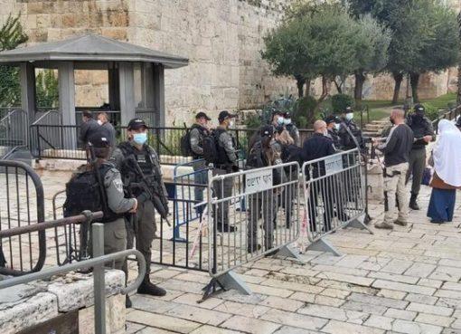 الاحتلال يعيق وصول المصلين إلى الأقصى في الجمعة الأولى من رمضان