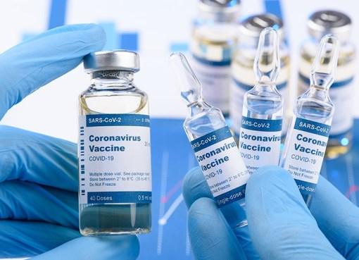 هل يمكن التطعيم بجرعتين من لقاحين مختلفين؟