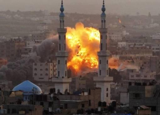 الاحتلال يصيب 10 مواطنين في سلسلة الغارات الإسرائيلية الأخيرة على قطاع غزة