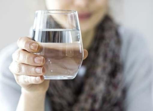 شرب الماء البارد عند الافطار يسبب الصداع