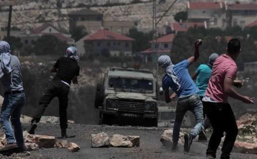 كفر قدوم: عشرات حالات الاختناق خلال قمع الاحتلال للمسيرة الأسبوعية