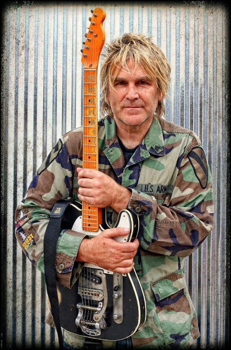 Bonus - Mike Peters of The Alarm – The Hustle – Podcast – Podtail