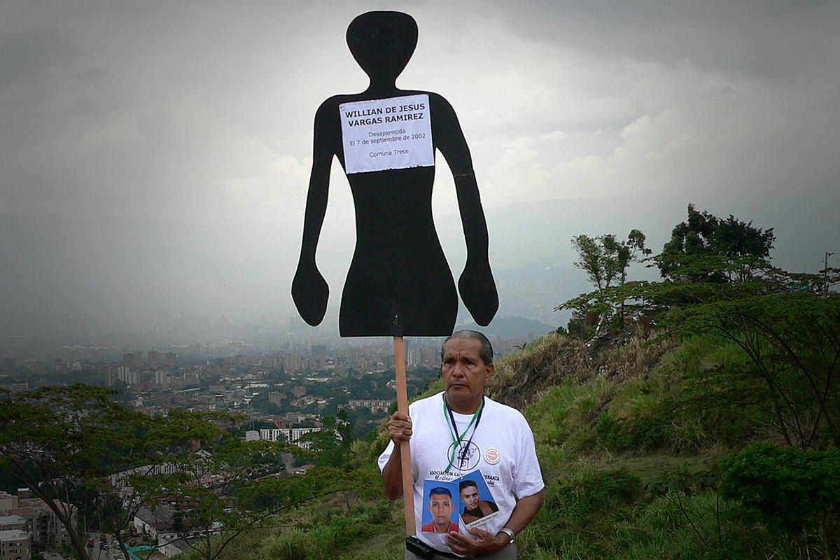 CJL representa a familiares de las víctimas de la Operación Orión que, según el Centro Nacional de Reparación y Reconciliación, fue la más grande operación militar urbana que haya tenido lugar en Colombia.
