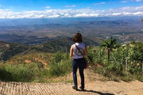 Cora y paisaje_blog