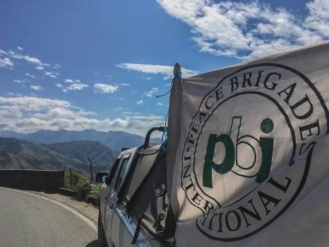 caro y bandera PBI_blog