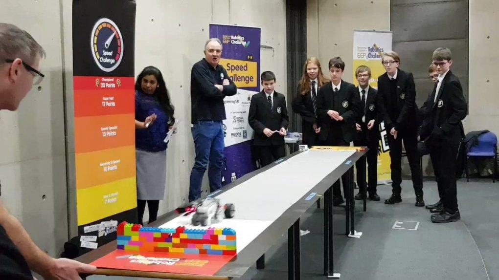 Sf07Hl9JJpNSNidG - Raising Robots - LEGO Mindstorms EV3 & WeDo