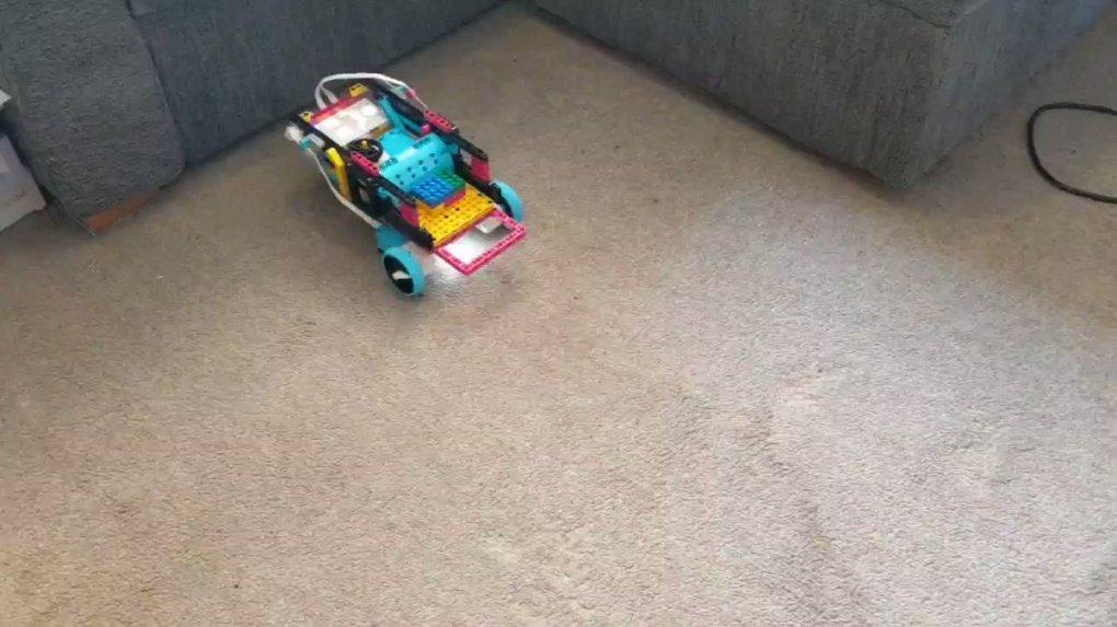 PXb0QJ oUoNnPllZ - Raising Robots - LEGO Mindstorms EV3 & WeDo
