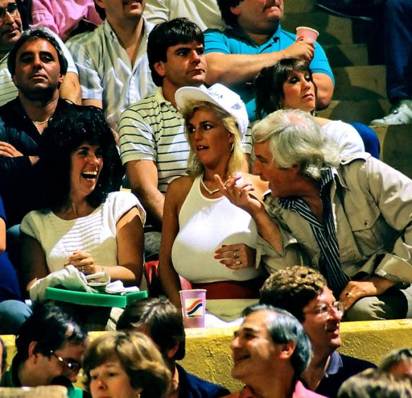Si Vault On Twitter Legendary Celtics Fan Busty Heart See Pic Nickname Is Obvious Attends A 1986 Game T Co Nmholpuq