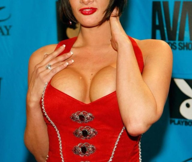 Porn Star Tory Lane Was Arrested After Attacking A Flight Crew On A Delta Plane