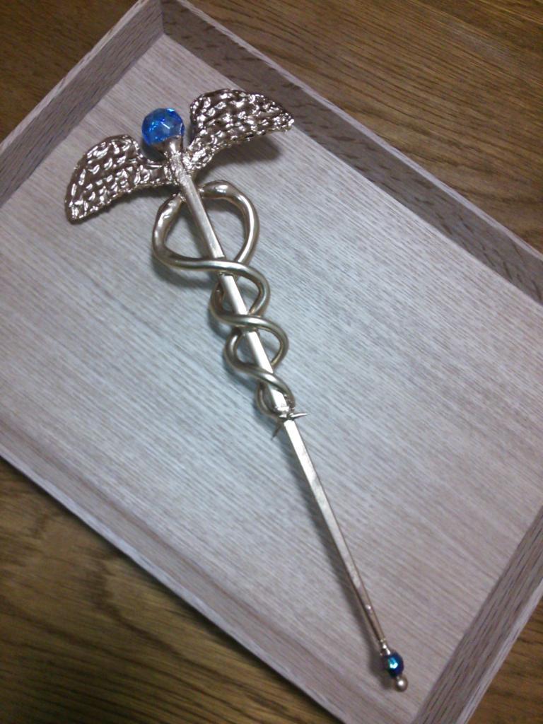 tweet : 【海外で話題】魔法の杖の作り方!材料は3つだけ! - NAVER まとめ