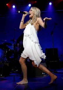 Barefoot Carrie Underwood Feet