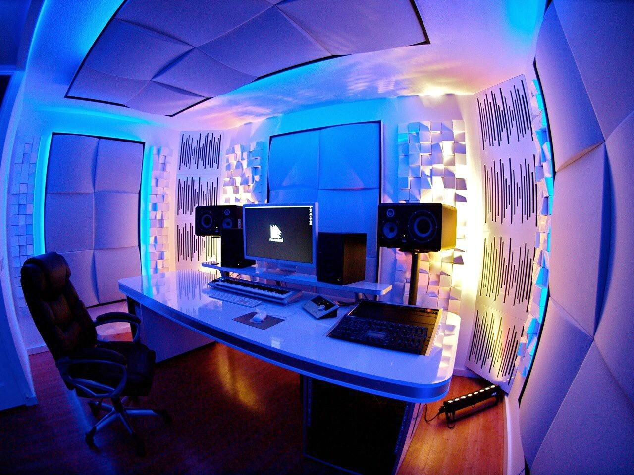 Hardwell on Twitter Finally the new Hardwell studio is finished httptcoTFz6t62PhC