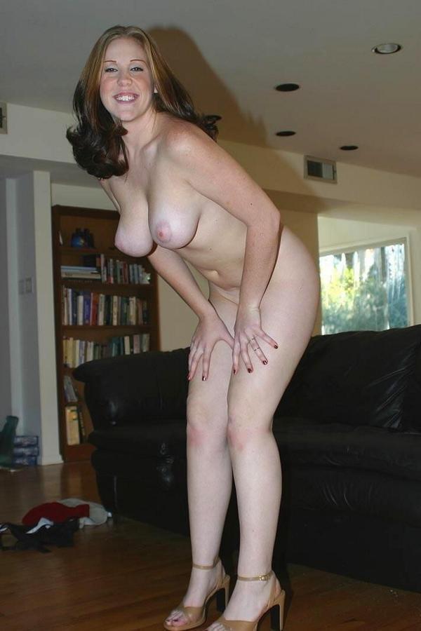 Amateur naked asian girls ass