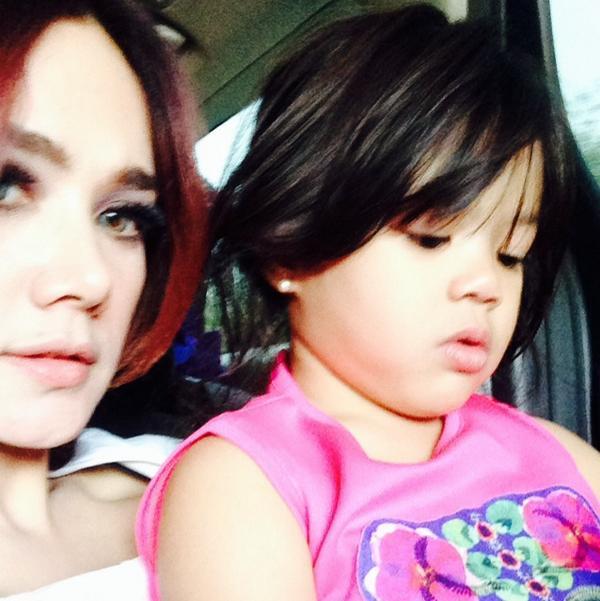 Foto Selfie Cantik Mulan Jameela bersama Safeea