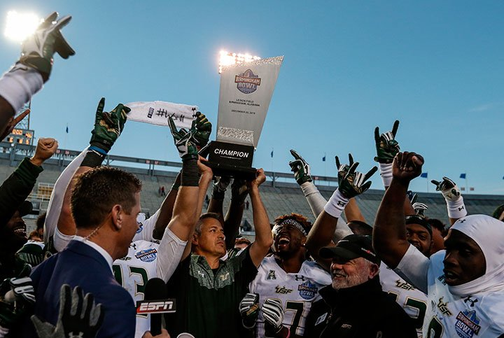 USF getting major love in way-too-early 2017 rankings.  #USF @USFFootball @TBTimes_Bulls