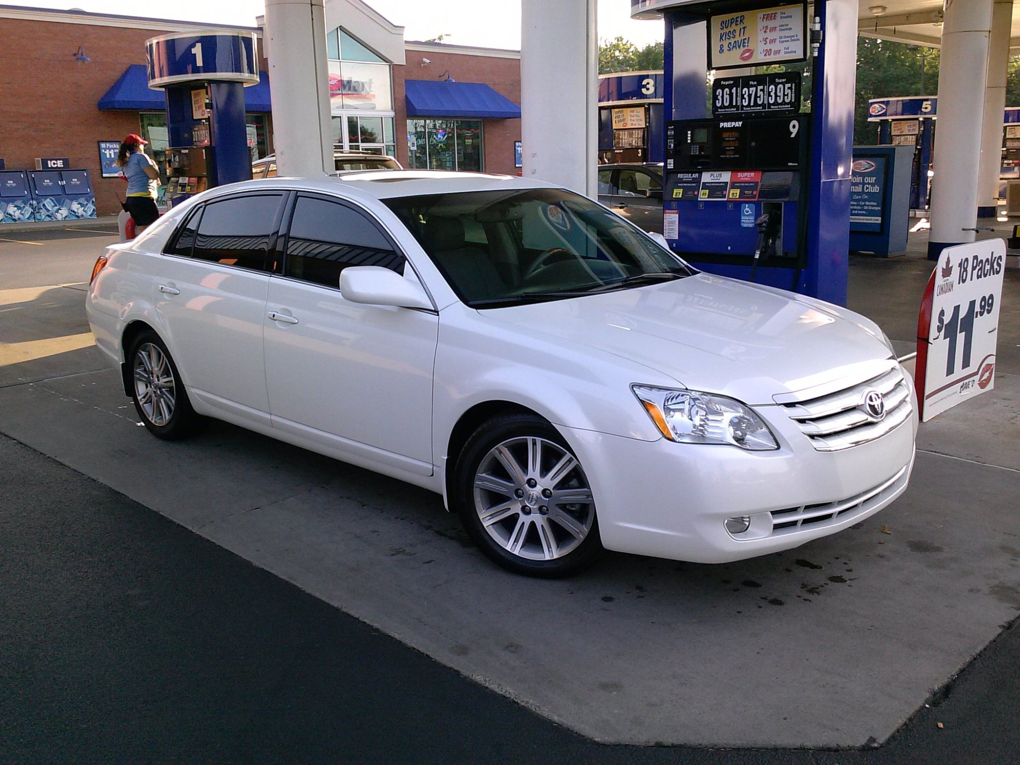 hight resolution of 116 000 miles in a 2006 toyota avalon