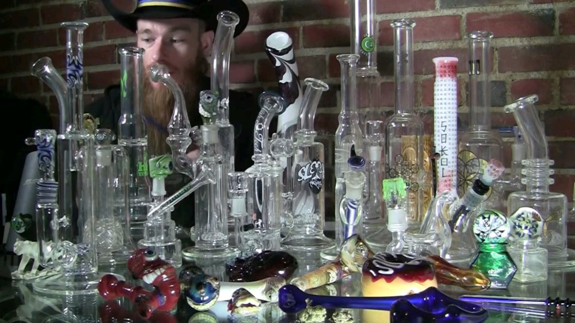 Glass Quiz: Which Type of Bong Should You Use To Get High?