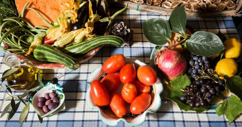 Mediterranean Diet vs. Statins to Prevent #HeartAttack and #Stroke?