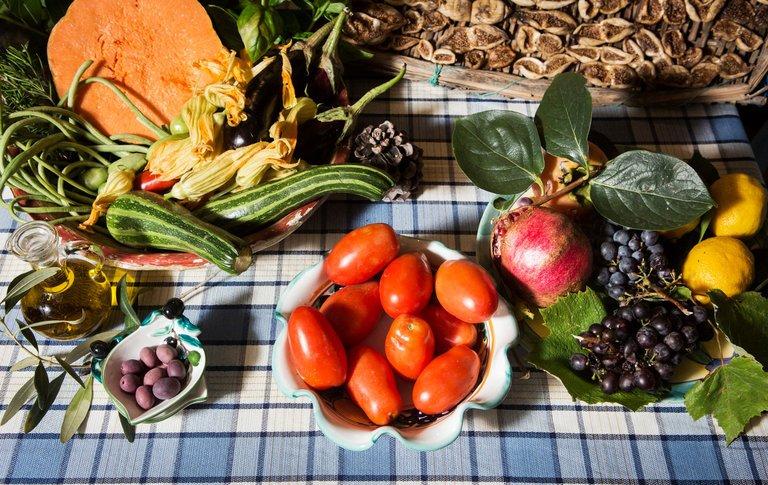 .#MediterraneanDiet vs. #Statins to Prevent Heart Attack and Stroke?  #health #Nutrition