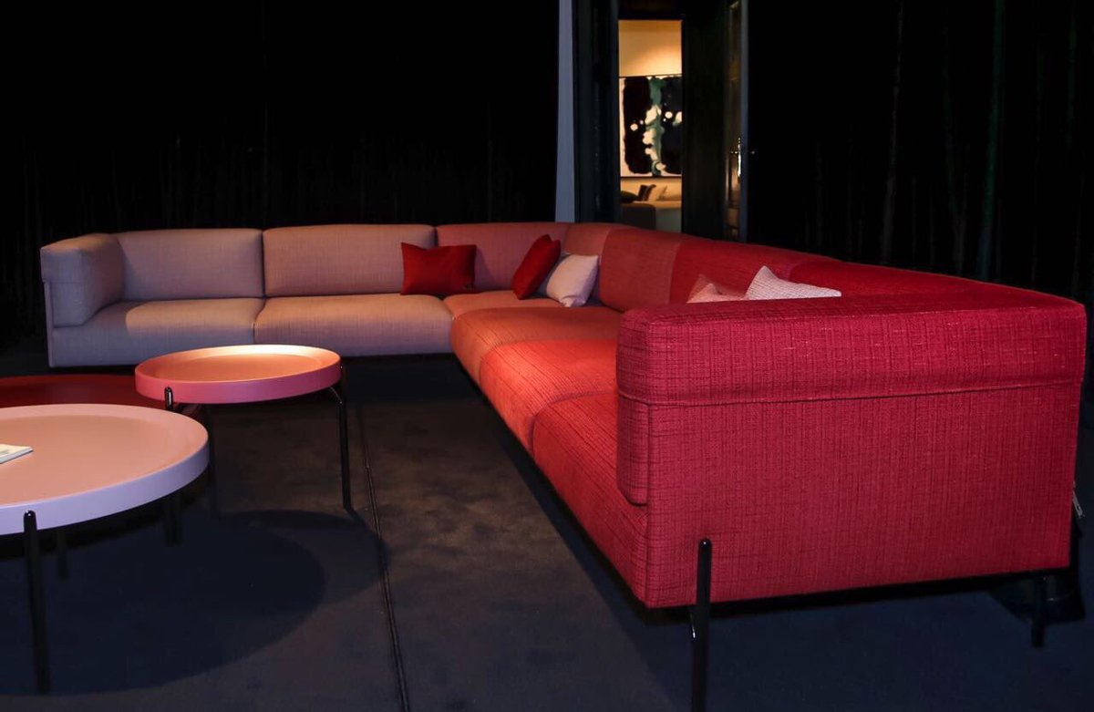 palmer sofa lip uk from blush to crimson the six shades of debuted at salonedelmobile