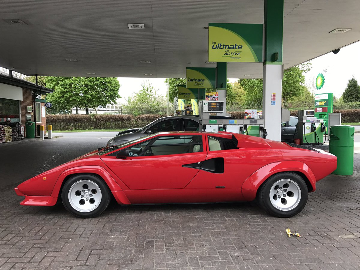 hight resolution of just filled lamborghini countach with fuel you d think 116 would have been enough but still only 2 3 full clickedoffearly amateurpic twitter com