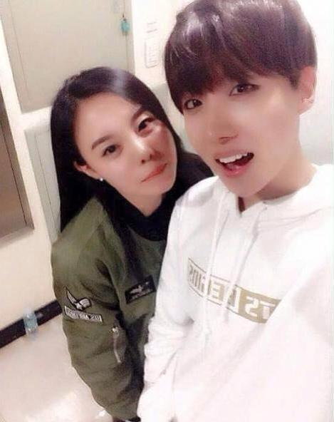 [Picture/IG] J-Hope and Sister [150329]