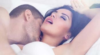 Seks sırasında erkekler için görsellik en önde gelirken kadınlar içinse hisler ve dokunma duyguları en önemli şey olarak görülüyor.