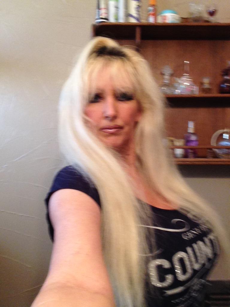 Tia Gunn on Twitter Selfie httptcozOsXsWtcig