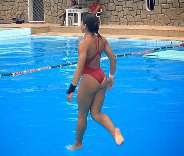 19 Year Old Olympic Diver Dat Ass