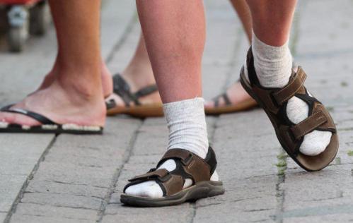 「サンダル 靴下 ドイツ」の画像検索結果