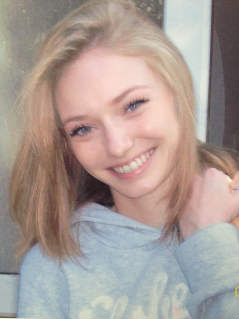 Eleanor Tomlinson On Twitter Natural Hair Colour Off To