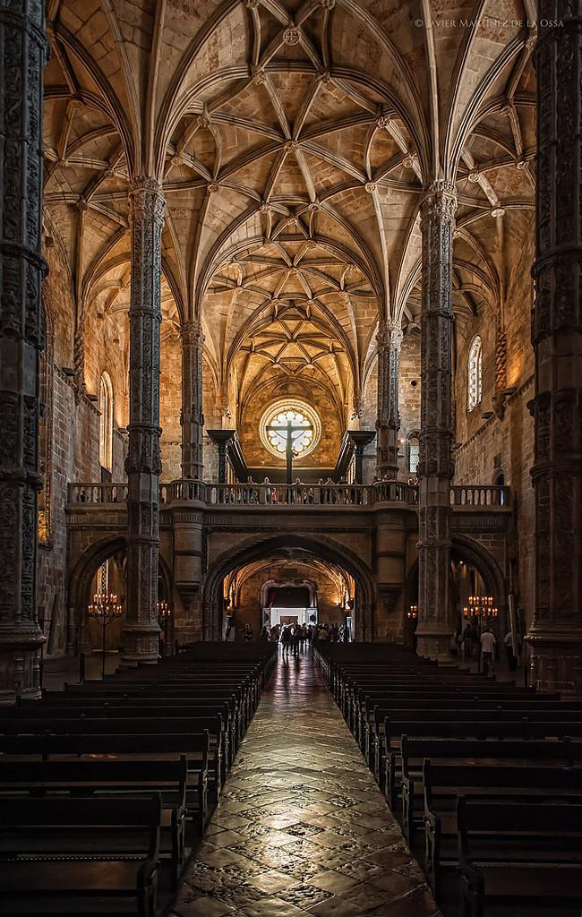 CLwYC0CUMAE y o - 12 Must-Visit Places In Portugal