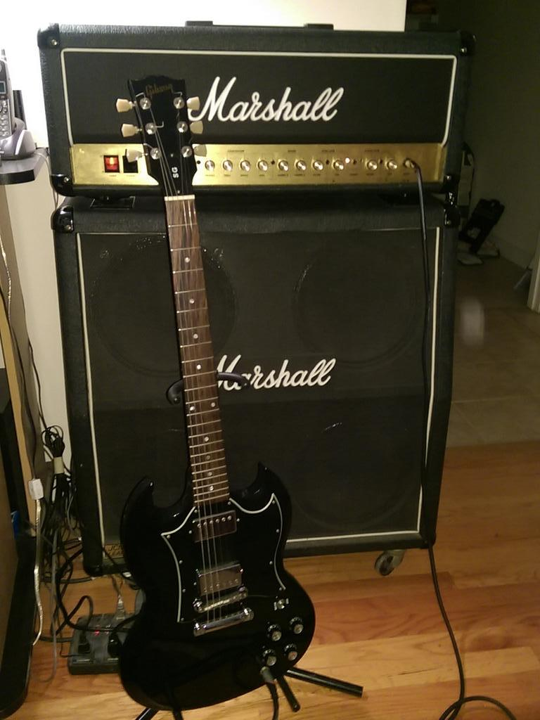hight resolution of 2002 gibson sg special and a jcm 2000 dsl about as classic as it gets