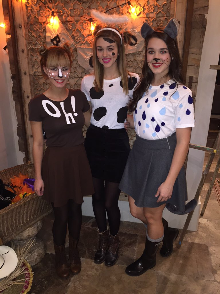 Sadie Robertson on Twitter ITS RAINING CATS  DOGS  I