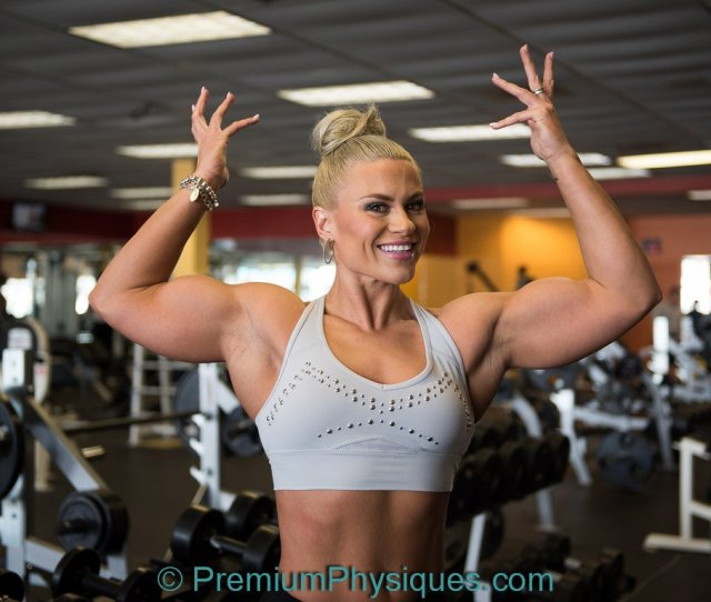 Premiumphysiques On Twitter New Video Of Tanya Pumping Flexing Biceps At Aussie Fit Gym Huge Biceps Https T Co Msaborsyd Fbb Muscles