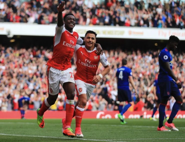 Arsenal finalizó como líder