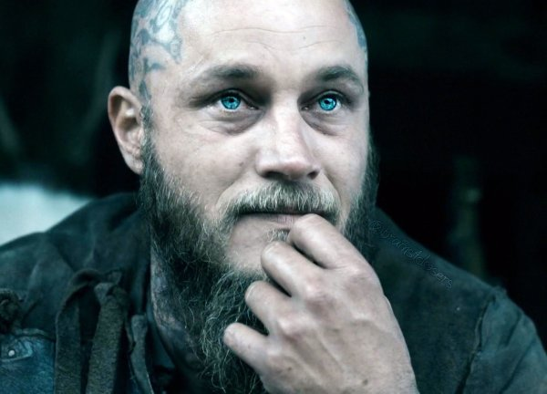 Travis Fimmel Ragnar Vikings Actor Imgurl