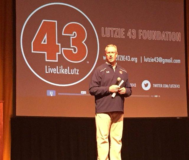 Coe College On Twitter Coe Grad Mike Lutzenkirchen 85 Gives An Inspiring Speech Tonight In Sinclair Auditorium Https T Co Czxiuw6vwc